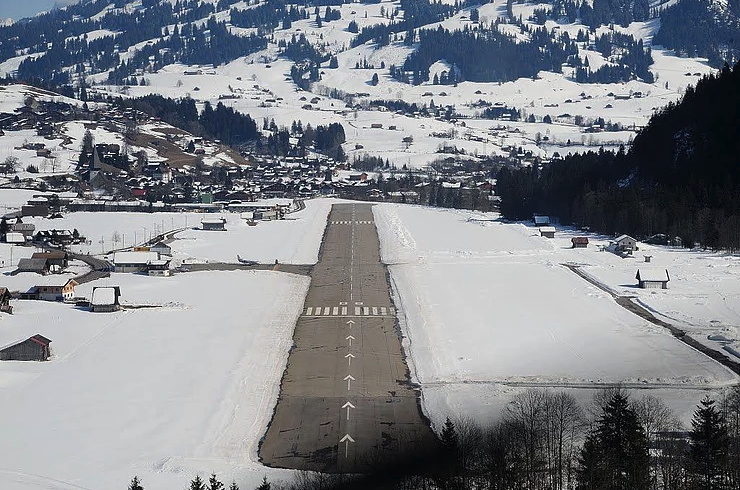 Gstaad Saanen Airport for Gstaad Ski resort